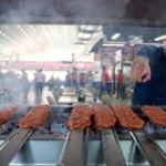 Ünlü seyahat yazarının Türkiye'de yenilecek yemek listesi