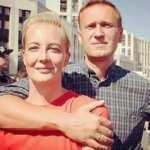 Zehirlenen Aleksey Navalni komadan çıktı