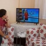 EBA TV'yi izleyemeyen çocuklara televizyon alındı