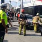 Güngören'de tramvayla otomobil çarpıştı: 1 yaralı