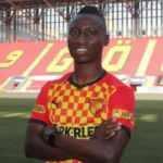 Göztepe, Obinna Nwobodo'yu transfer etti