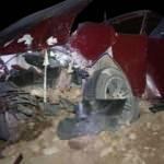 İzmir'de otomobil toprak yığınına çarptı: 1 ölü, 4 yaralı