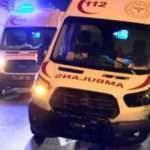 Diyarbakır'da ambulans otomobile çarptı: 3 yaralı