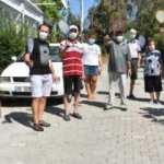 İzmirli'nin çilesi: Kanalizasyonsuz mahallede raketlerle sinek avına çıkıyorlar