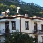 Ailesinden kalan 100 yıllık tarihi evi restore etti