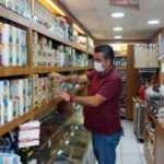 İzmir'li esnaf: 'Etil alkol satan bazı aktarlar 6-7 ayda villa sahibi oluyor'