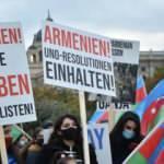 Almanya,İsviçre ve Avusturya'da Azerbaycan'a destek gösterisi düzenlendi