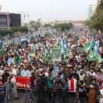 Pakistan'da Hz. Muhammed (S.A.V) sevdalısı binler meydanlarda