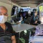 Lösemi tedavisi gören oğlu hastanede, kendisi 1,5 aydır minibüste yaşıyor