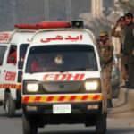 Pakistan'da dolmuş kanala düştü: 20 ölü