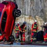 Volvo 10 yeni aracı 30 metreden aşağı attı! İşte o anlar...