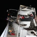 Adana'da yolcu otobüsü ile TIR çarpıştı