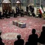 İranlı nükleer bilimci Fahrizade için Meşhed ve Kum'da cenaze töreni düzenlendi