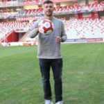 Podolski'den sosyal medya tepkisi!