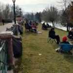 Yasaklardan bunalanlar parklara akın etti