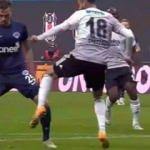 Beşiktaş'ın Kasımpaşa maçında penaltı beklediği pozisyon