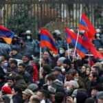 Ermenistan'da Paşinyan karşıtları, hükümet binasına girmeye çalıştı
