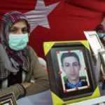Diyarbakır annelerinden Biçer: Allah'ın izniyle bu mücadeleyle oğlumuz teslim olacak
