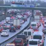 HÜDA PAR'dan İstanbul trafiğine çözüm önerisi!