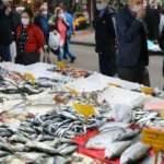 Vatandaşlar, fiyatı düşen balıklara yoğun ilgi gösteriyor