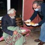 7 yıldır otogardaki evsizleri doyuruyor