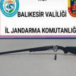 Balıkesir'de jandarma 19 aranan şahsı yakaladı