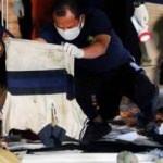 Endonezya uçağının düştüğü yerdeki ceset parçalarına DNA testi yapılacak