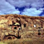 Madavans Vadisi'nde binlerce yıllık 400 mağara evi turizme kazandırılıyor