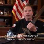 Terminatör 'Conan' kılıcını çekti, Trump'a gözdağı verdi