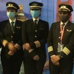 Hindistanlı kadın pilotlar 17 saatlik uçuşla rekor kırdı