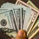 Vatandaşın dövize yatırdığı para rekor üstüne rekor kırıyor
