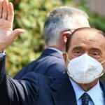 Silvio Berlusconi hastaneye kaldırıldı