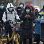 Koronavirüs vakaları artan Pekin'de karantina kararı