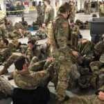 Şok görüntüler! ABD'de yemin töreni bitince askerleri otoparka tıktılar