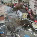 Beyoğlu'nda 2 katlı binada yangın