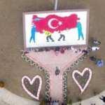 Bin çocuk 10 bin taşla 'Türkiye haritasını sırtlayan sağlık çalışanları mozaiği' yaptı!