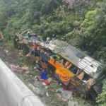 Ülkeyi yasa boğan kaza! Yolcu otobüsü devrildi: 21 ölü