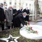 Destici, Muhsin Yazıcıoğlu'nun kabrini ziyaret etti