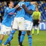 İtalya Kupası'nda Napoli yarı finale yükseldi