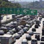 İstanbul'da kısıtlama öncesi trafik durma noktasına geldi