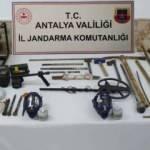 Antalya'da izinsiz kazı yapan 5 kişi yakalandı
