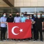 Nijerya'da serbest bırakılan 15 gemici Türkiye'ye doğru yola çıktı