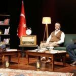 """Esenler'de """"Yunus Emre'den Mehmet Akif'e Anadolu İrfanı: Şiir ve Şuûr"""" çevrimiçi düzenlendi"""