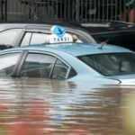 Endonezya sular altında kaldı