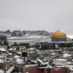 Kudüs'e mevsimin ilk karı düştü! Mescid-i Aksa beyaza büründü