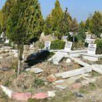 Manisa'da mezarlıklara çirkin saldırı!