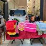 85'lik Hatice nine 57 yıldır geçimini sokakta sattığı el emeği ürünlerinden sağlıyor!