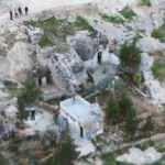Mağaraya yapılan baskında şoke eden görüntü! Kumarhaneye çevirmişler