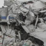 Ağrı'da tır şarampole devrildi: 2 ölü