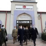 Bakan Akar, Romanya'da Türk şehitliğini ziyaret etti